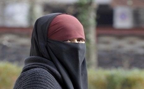sous-son-niqab-la-mariee-etait-poilue-et-louchait